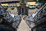 The steep steps of Wat Arun - Click for larger image