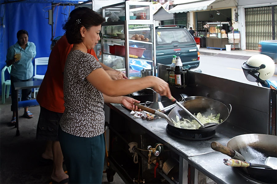 Delicious, freshly cooked food is available everywhere in Thailand for ridiculously cheap prices