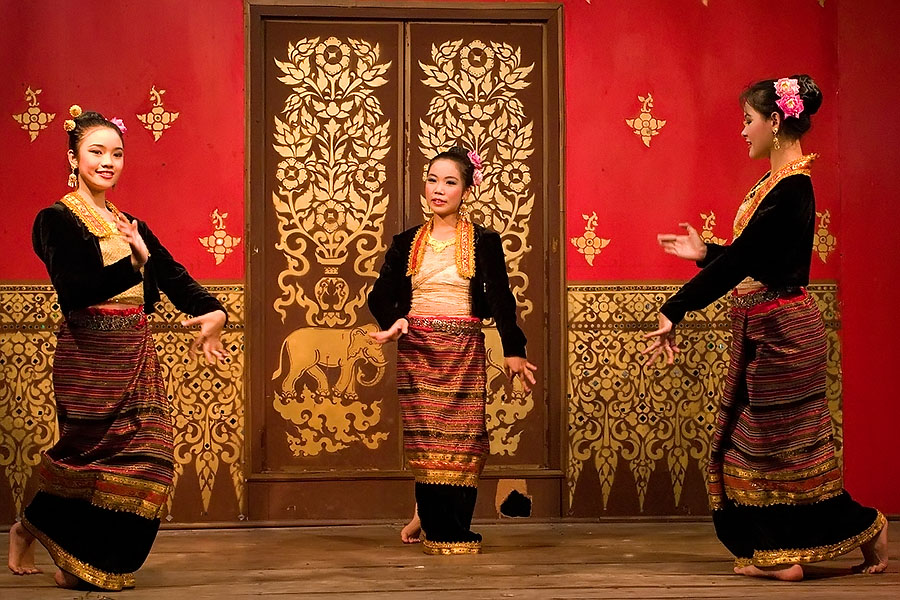 Thai dancing performance, Chiang Rai