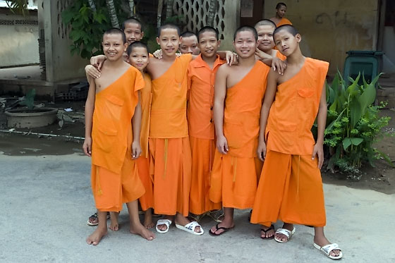 Novice monks, Sukothai