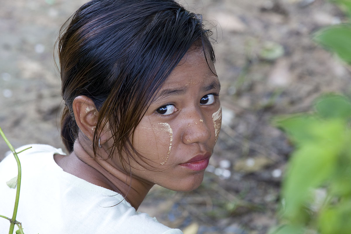 Teen girls Mae Sot
