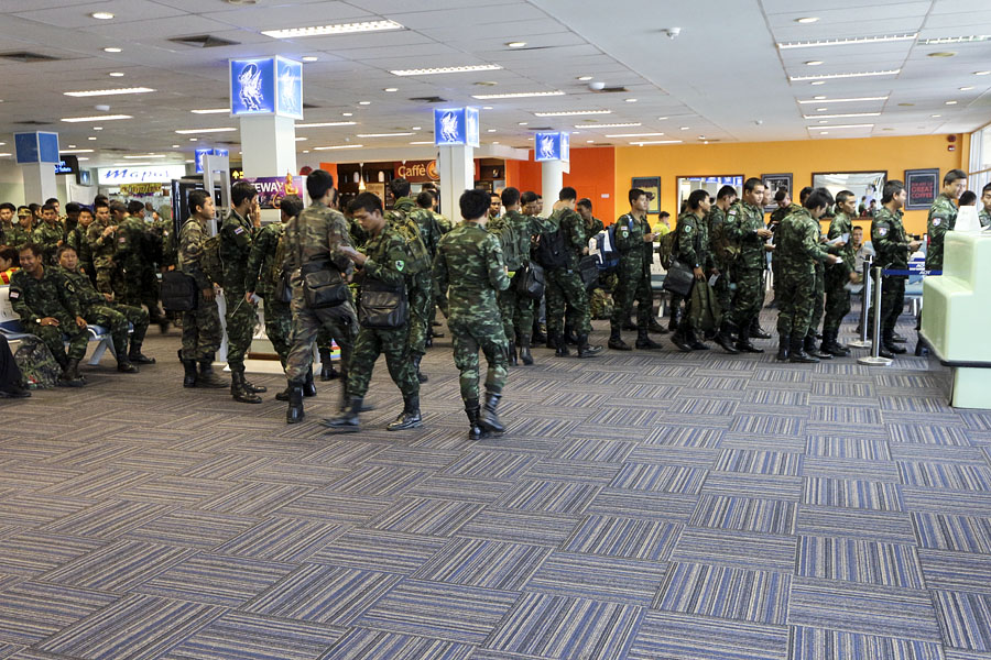 Soldiers at Hat Yai airport