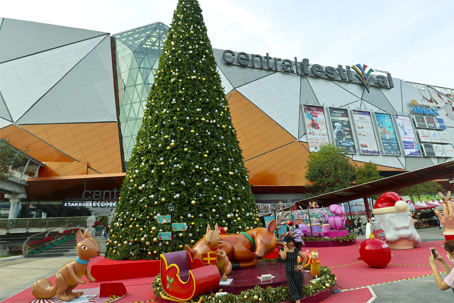Celebrating Christmas at Central Festival, Hat Yai