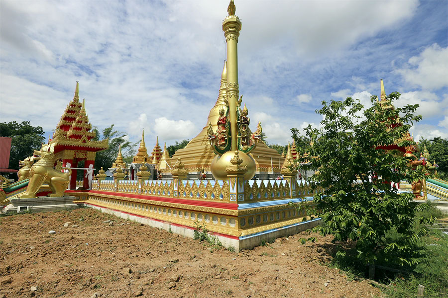 The Shwedagon Pagoda replica at Klong Hair temple in Hat Yai