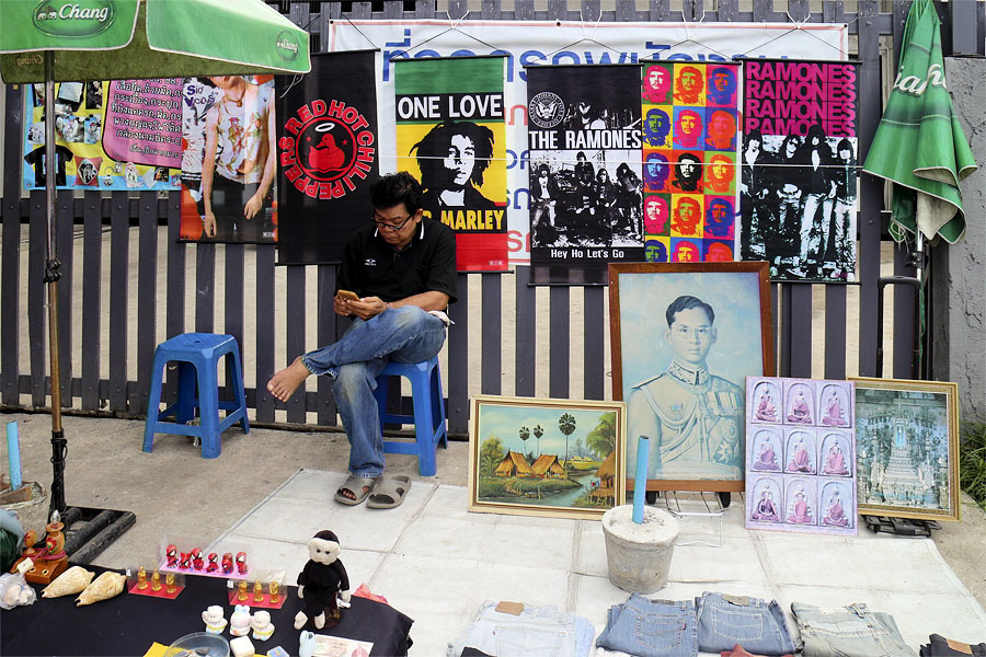 Posters and pictures for sale, Yun Yong market, Hat Yai